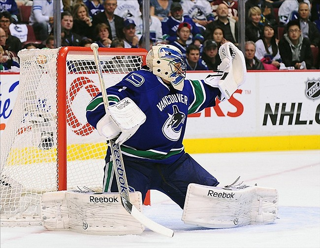 Report Canucks Roberto Luongo To New York Islanders A Possibility